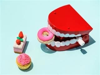 chatterteeth toy eating toy desserts