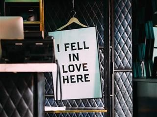 "sign reading ""I fell in love here"""