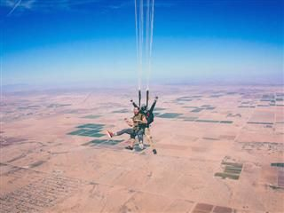 skydiving in tandem