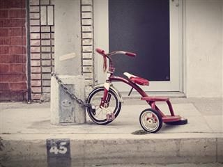 tricycle locked to the post