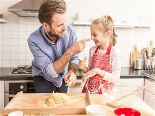 dad baking with child