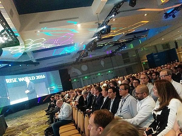 the crowd at OpenText Enterprise World 2016