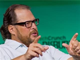 Salesforce Shifts Focus to Customer Success with Analytics Cloud DF14